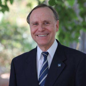 Dr. Ángel Fernández C.