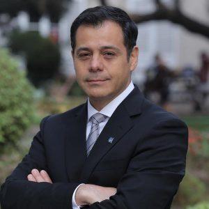 Dr. Francisco Alarcón A.